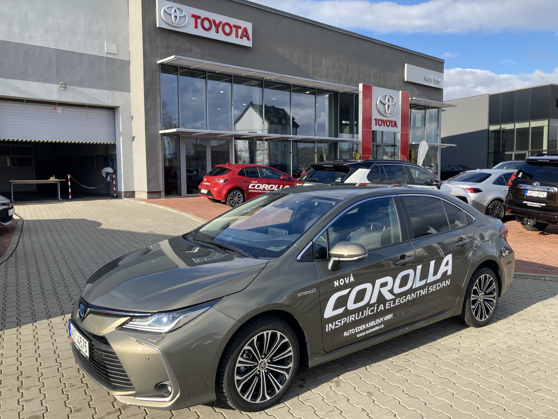 Toyota COROLLA Sedan 1,8 Hybrid (122 k) aut. e-CVT Comfort