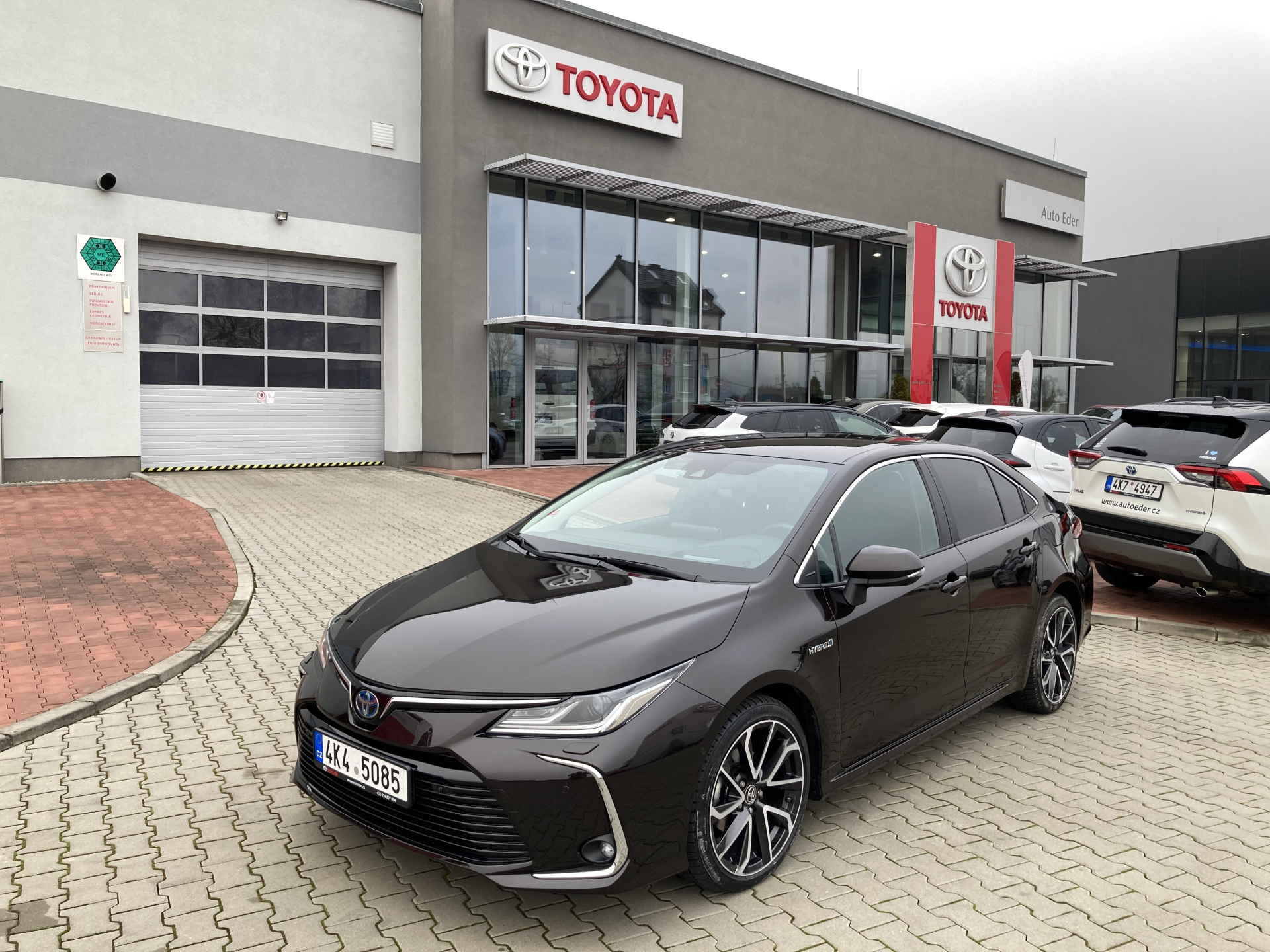 Toyota COROLLA Sedan 1,8 Hybrid (122 k) aut. e-CVT Executive VIP