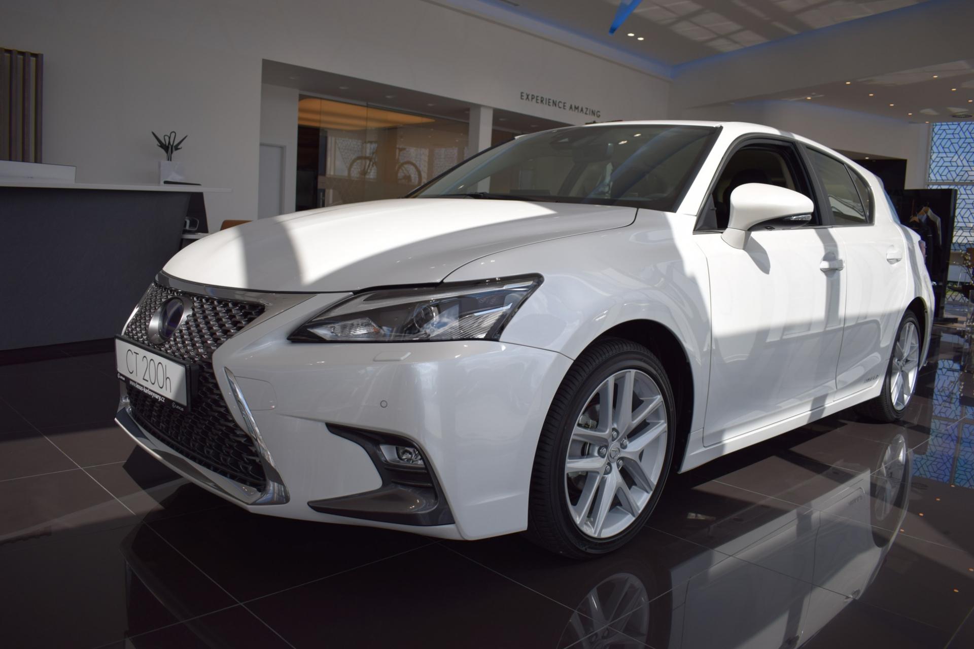 Lexus CT LIMITED EDITION Safety 1.8L Petrol Hybrid (136 k) aut. e-CVT