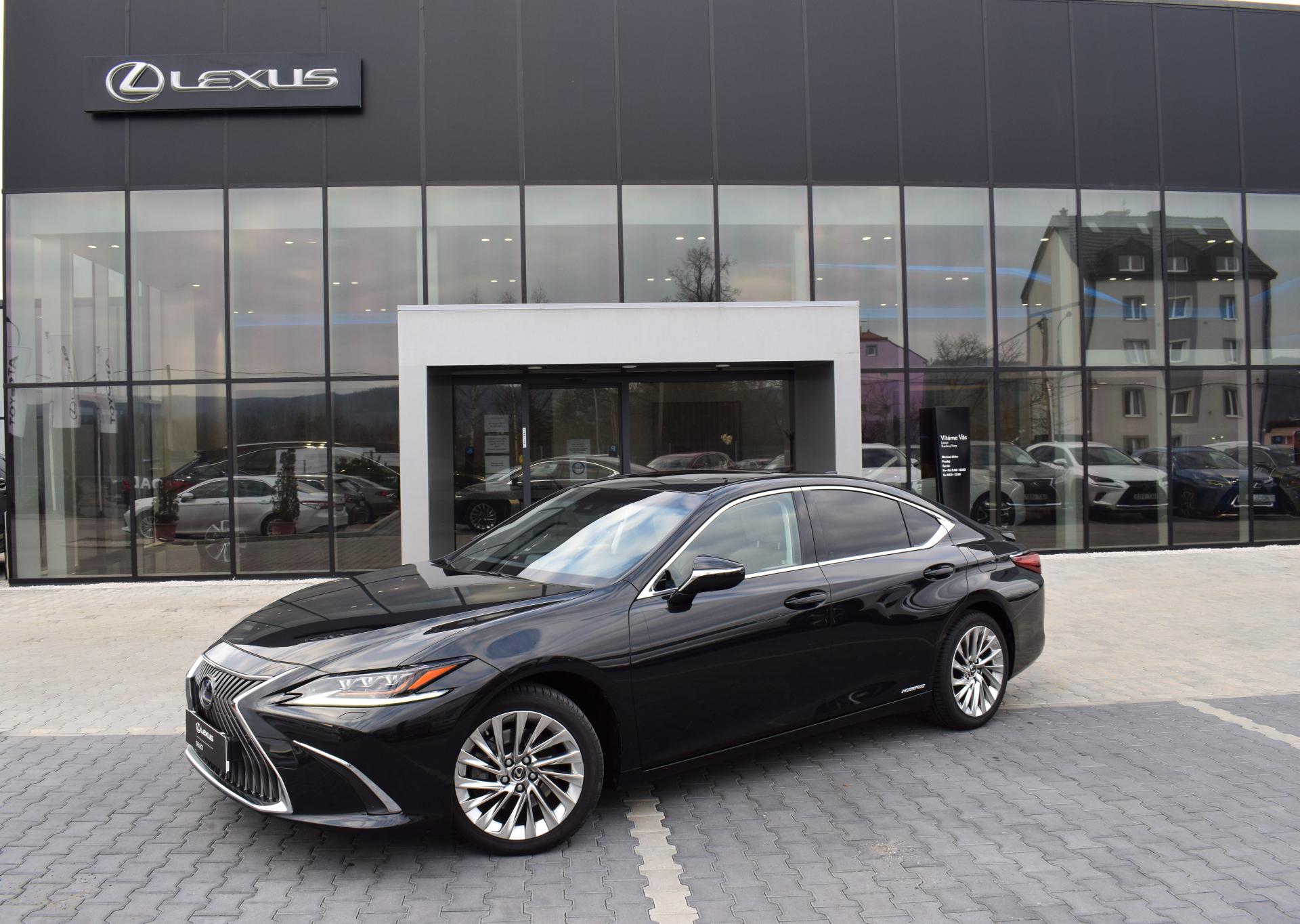 Lexus ES 300h LUXURY 2.5 L Petrol Hybrid (218 k) aut. e-CVT