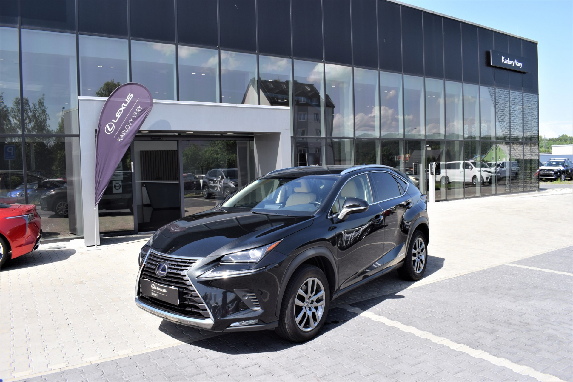 Lexus NX 300h PRESTIGE SAFETY 2.5 L Petrol Hybrid (197 k) aut. e-CVT (4X4)