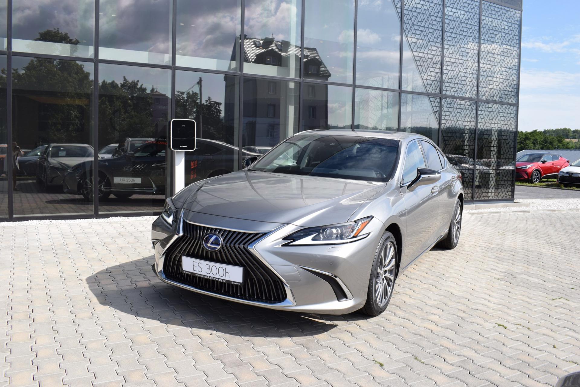 Lexus ES 300h LIMITED EDITION 2.5 L Petrol Hybrid (218 k) aut. e-CVT